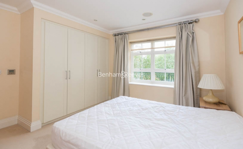 3 bedroom(s) flat to rent in Hampstead Way, Golders Green, NW11-image 12