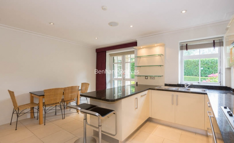 3 bedroom(s) flat to rent in Hampstead Way, Golders Green, NW11-image 14