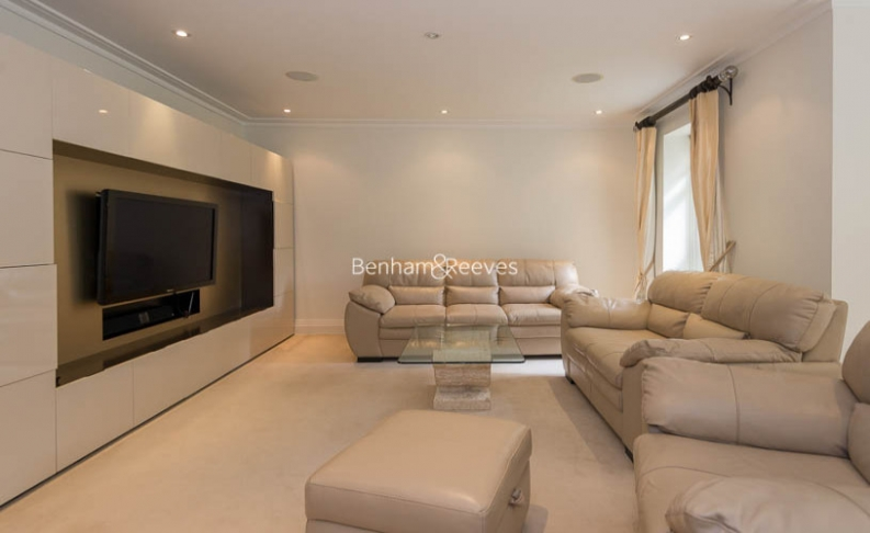 3 bedroom(s) flat to rent in Hampstead Way, Golders Green, NW11-image 15