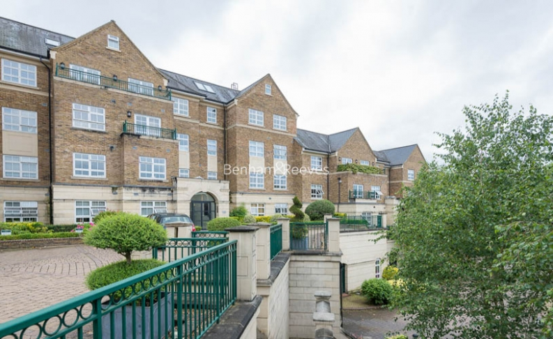 3 bedroom(s) flat to rent in Hampstead Way, Golders Green, NW11-image 19