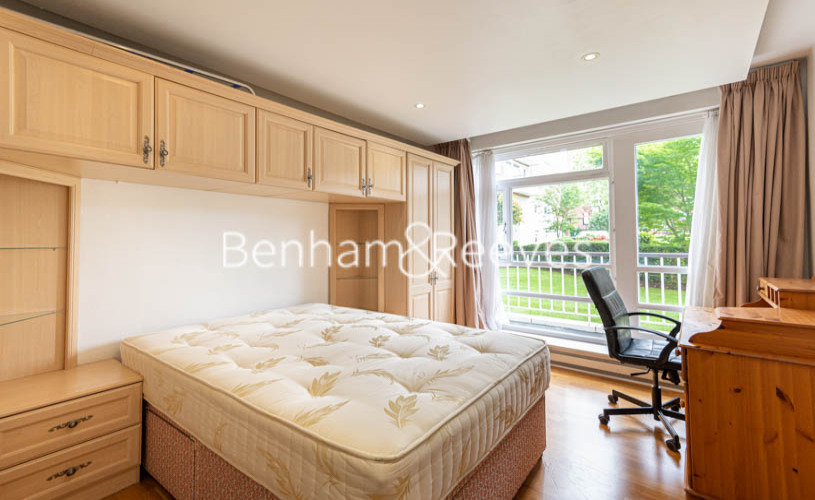 3 bedroom(s) flat to rent in St. John's Wood Park, St. John's Wood, NW8-image 14