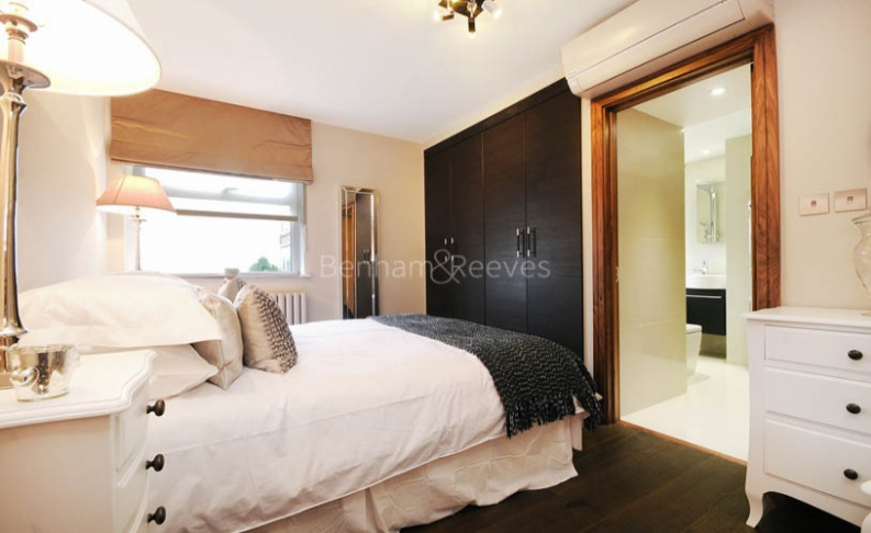 3 bedroom(s) flat to rent in Boydell Court, St John's Wood, NW8-image 7