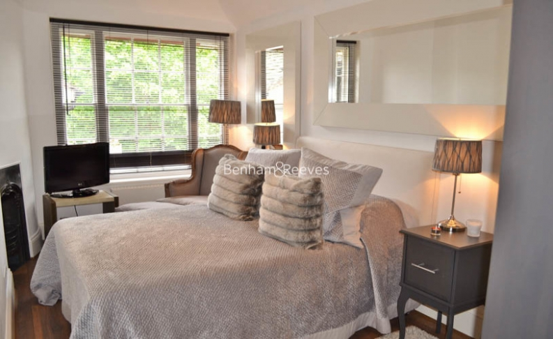 4 bedroom(s) house to rent in Lower Terrace, Hampstead, NW3-image 3