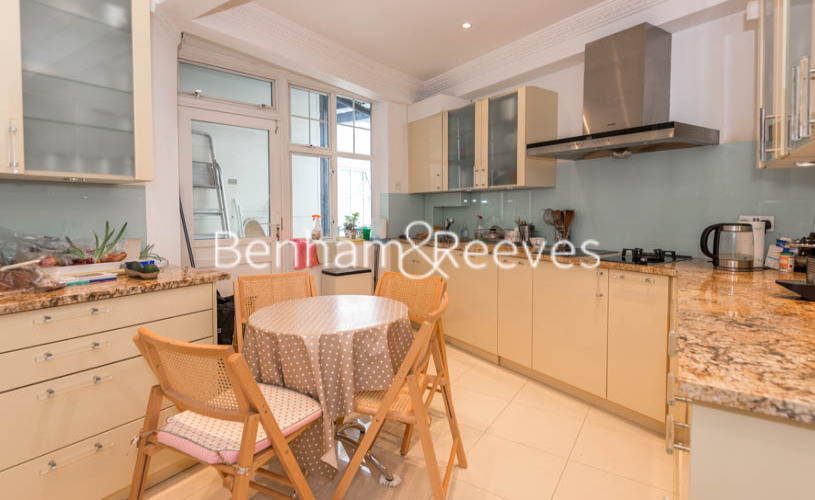 4 bedroom(s) flat to rent in Eton Court, Hampstead, NW3-image 2