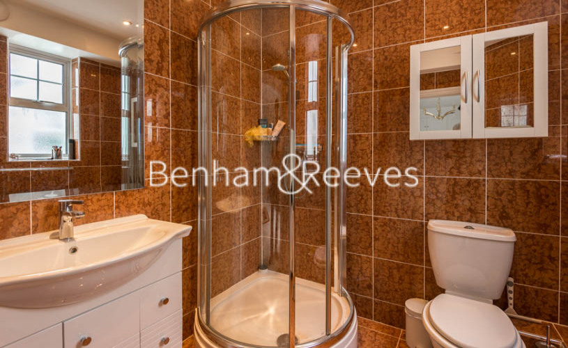 4 bedroom(s) flat to rent in Eton Court, Hampstead, NW3-image 5