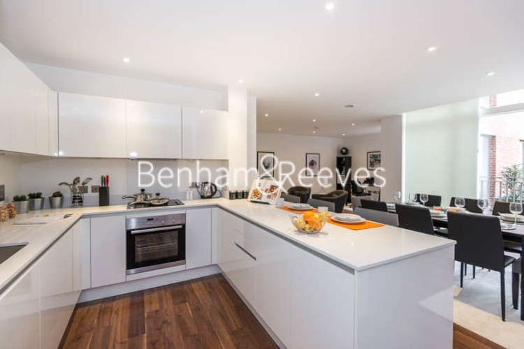 3 bedroom(s) flat to rent in Maygrove Road, West Hampstead, NW6-image 2