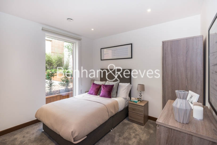 3 bedroom(s) flat to rent in Maygrove Road, West Hampstead, NW6-image 4