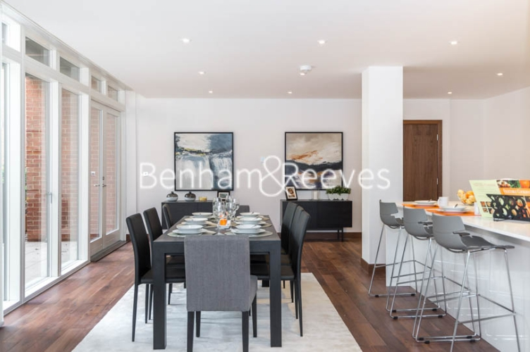 3 bedroom(s) flat to rent in Maygrove Road, West Hampstead, NW6-image 9