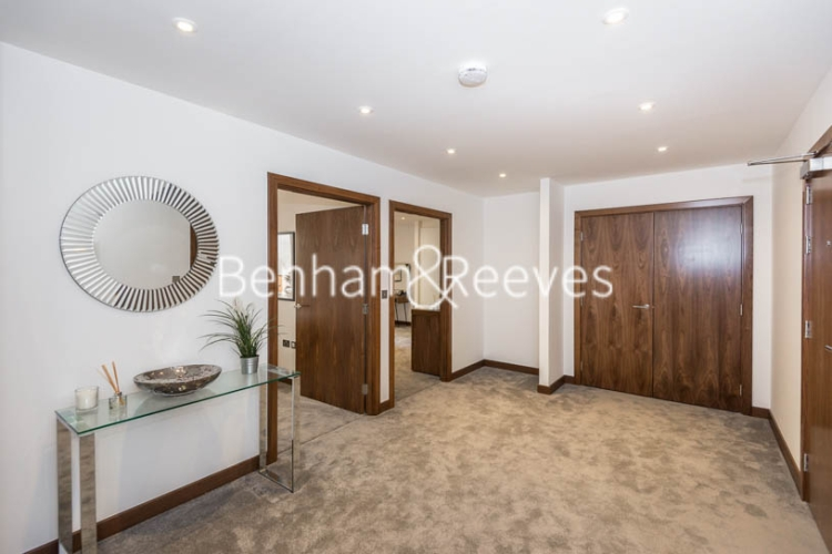 3 bedroom(s) flat to rent in Maygrove Road, West Hampstead, NW6-image 11