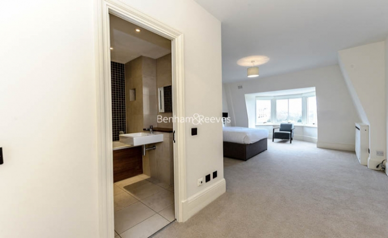 5 bedroom(s) flat to rent in Strathmore Court, Hampstead, NW8-image 3