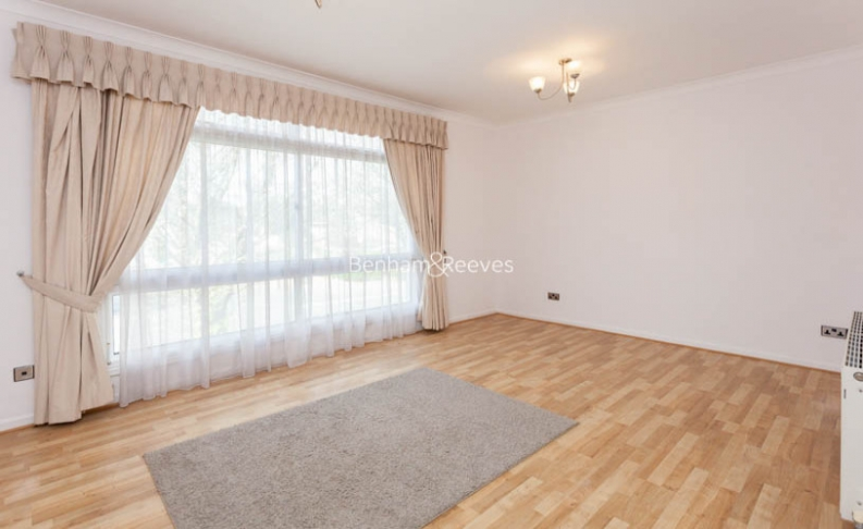 4 bedroom(s) house to rent in Loudoun Road, St John's Wood, NW8-image 2