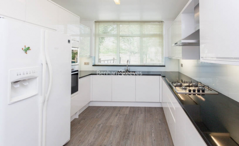 4 bedroom(s) house to rent in Loudoun Road, St John's Wood, NW8-image 4