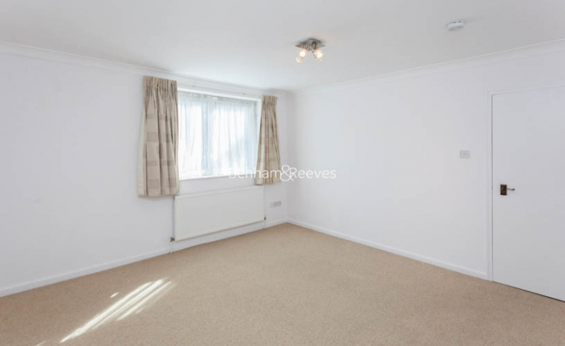 4 bedroom(s) house to rent in Loudoun Road, St John's Wood, NW8-image 8