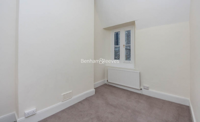 2 bedroom(s) house to rent in Christchurch Hill, Hampstead Village, NW3-image 3