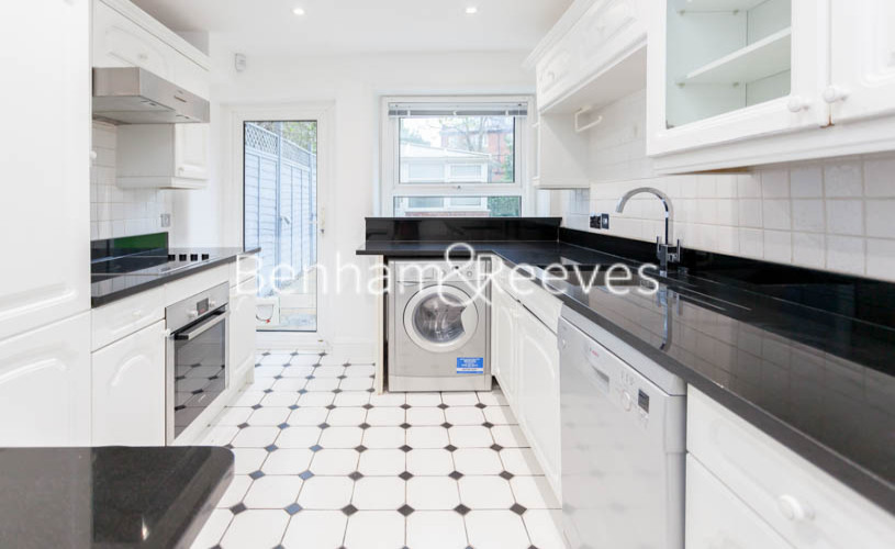 3 bedroom(s) flat to rent in Buckland Crescent, Belsize Park, NW3-image 1