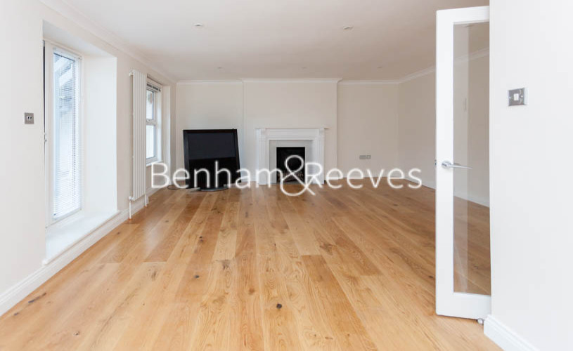 3 bedroom(s) flat to rent in Buckland Crescent, Belsize Park, NW3-image 2