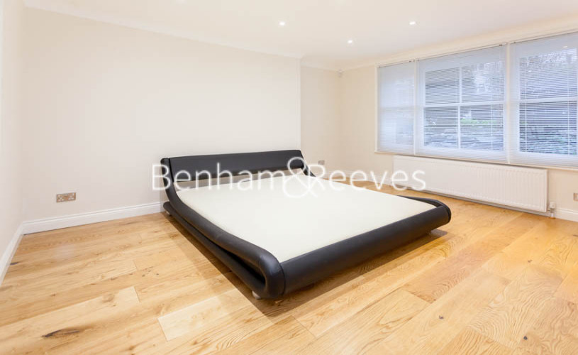 3 bedroom(s) flat to rent in Buckland Crescent, Belsize Park, NW3-image 3