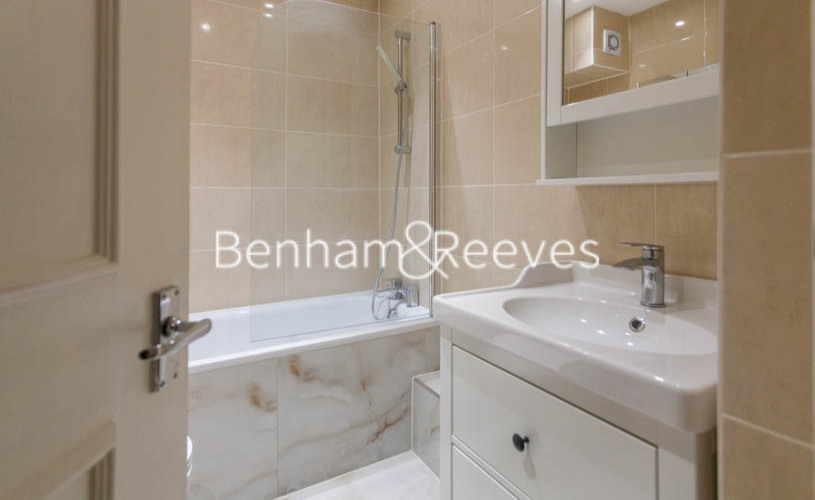 3 bedroom(s) flat to rent in Buckland Crescent, Belsize Park, NW3-image 4