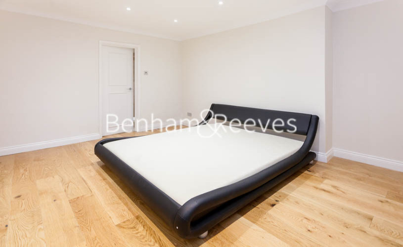 3 bedroom(s) flat to rent in Buckland Crescent, Belsize Park, NW3-image 9