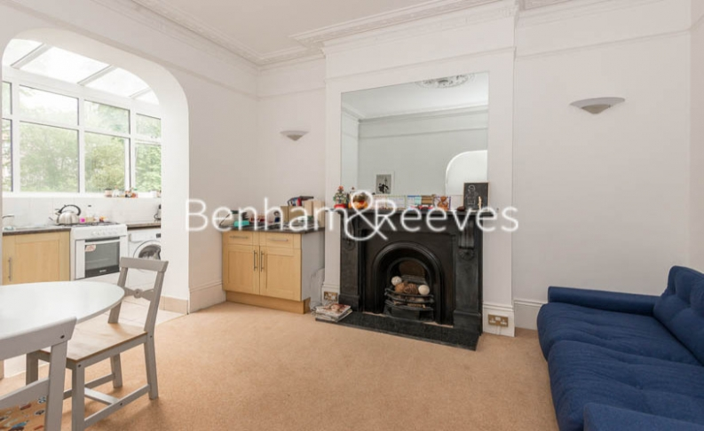 1 bedroom(s) flat to rent in Willoughby Road, Hampstead, NW3-image 1
