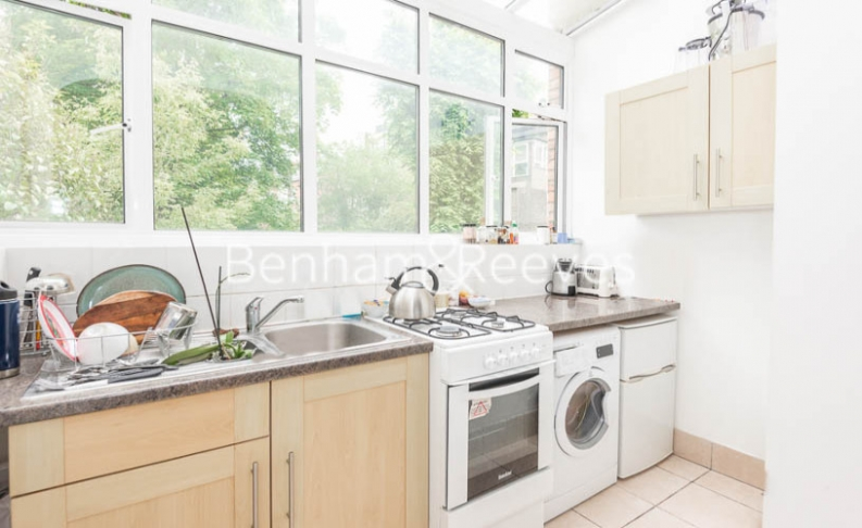 1 bedroom(s) flat to rent in Willoughby Road, Hampstead, NW3-image 2