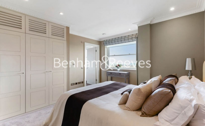 5 bedroom(s) house to rent in Boydell Court, St John's Wood, NW8-image 11