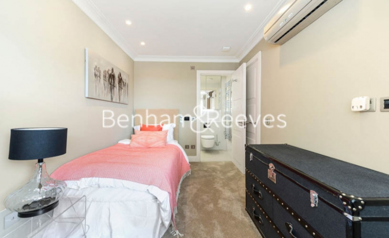 5 bedroom(s) house to rent in Boydell Court, St John's Wood, NW8-image 12