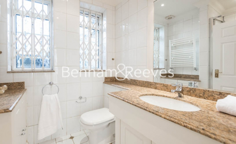3 bedroom(s) flat to rent in Strathmore Court, Hampstead, NW8-image 7
