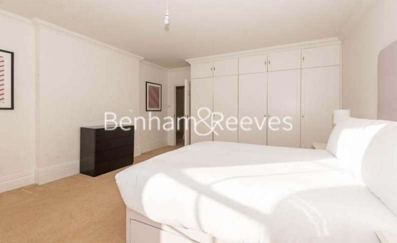 3 bedroom(s) flat to rent in Strathmore Court, Hampstead, NW8-image 9