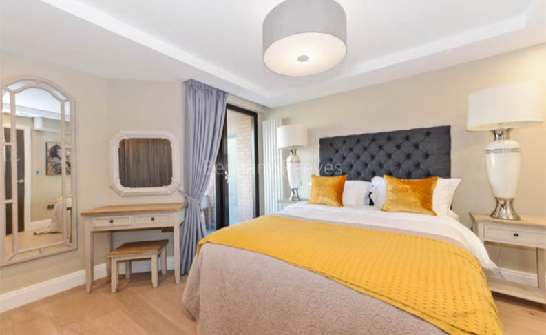 3 bedroom(s) flat to rent in Cresta House, Finchley Road, NW3-image 7