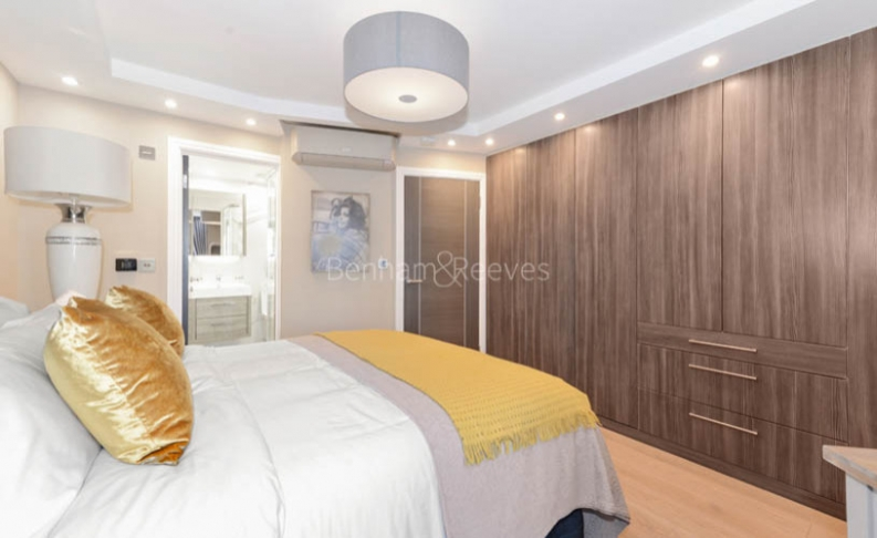 3 bedroom(s) flat to rent in Cresta House, Finchley Road, NW3-image 9