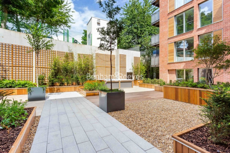 2 bedroom(s) flat to rent in Maygrove road, West Hampstead, NW6-image 5