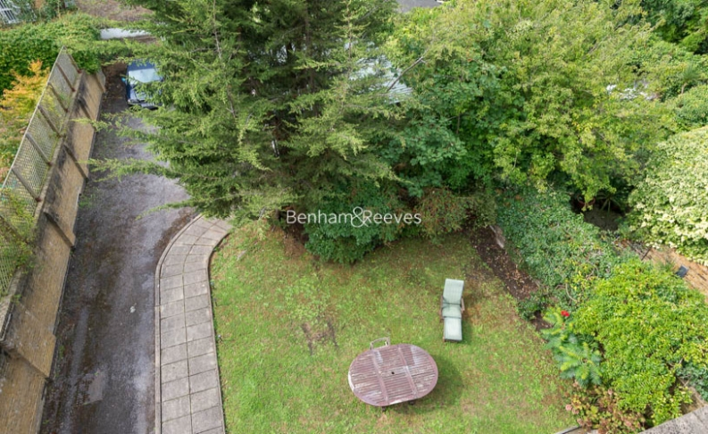 2 bedroom(s) flat to rent in Priory Road, Hampstead, NW6-image 11