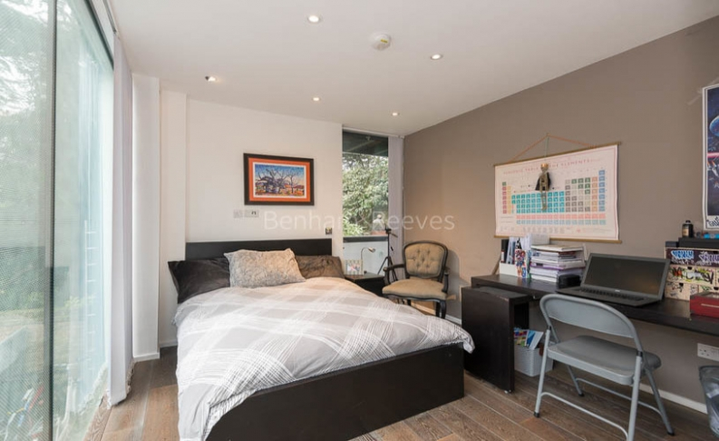 4 bedroom(s) house to rent in Trinity Walk, Hampstead, NW3-image 7