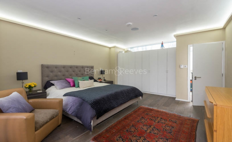 4 bedroom(s) house to rent in Trinity Walk, Hampstead, NW3-image 11