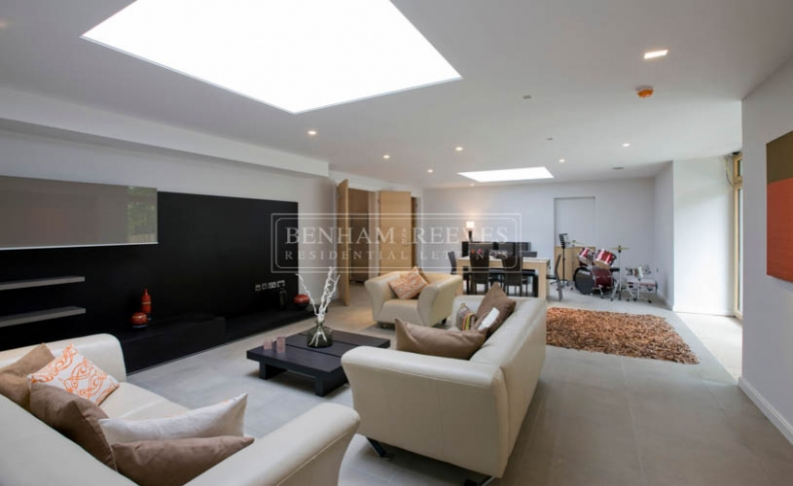 6 bedroom(s) house to rent in Seafield House, Mill Hill, NW7-image 4