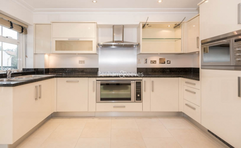 3 bedroom(s) flat to rent in Mountview Close, Hampstead, NW11-image 4