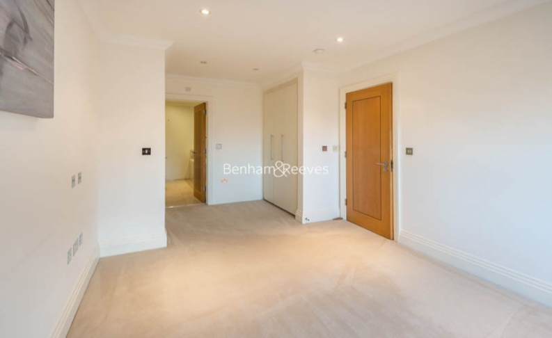 3 bedroom(s) flat to rent in Mountview Close, Hampstead, NW11-image 8