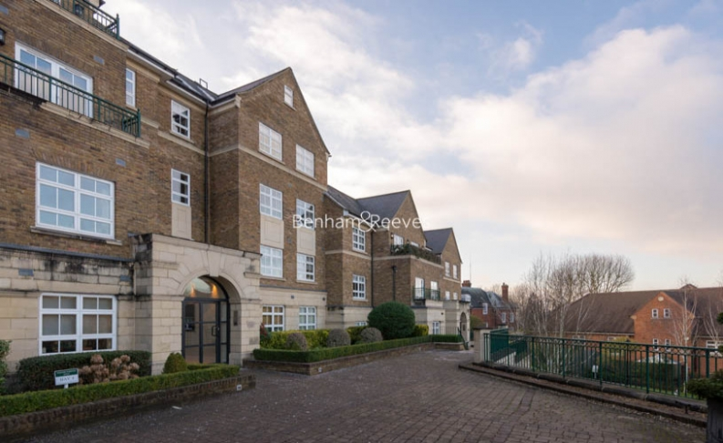 3 bedroom(s) flat to rent in Mountview Close, Hampstead, NW11-image 15