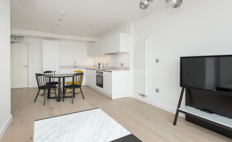 1 bedroom(s) flat to rent in Hill House, Archway, N19-image 1