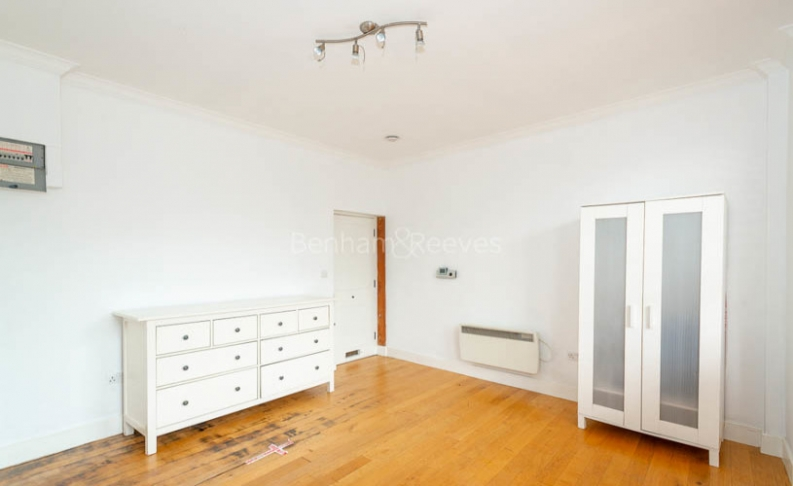 1 bedroom(s) flat to rent in North End Way, Hampstead, NW3-image 2