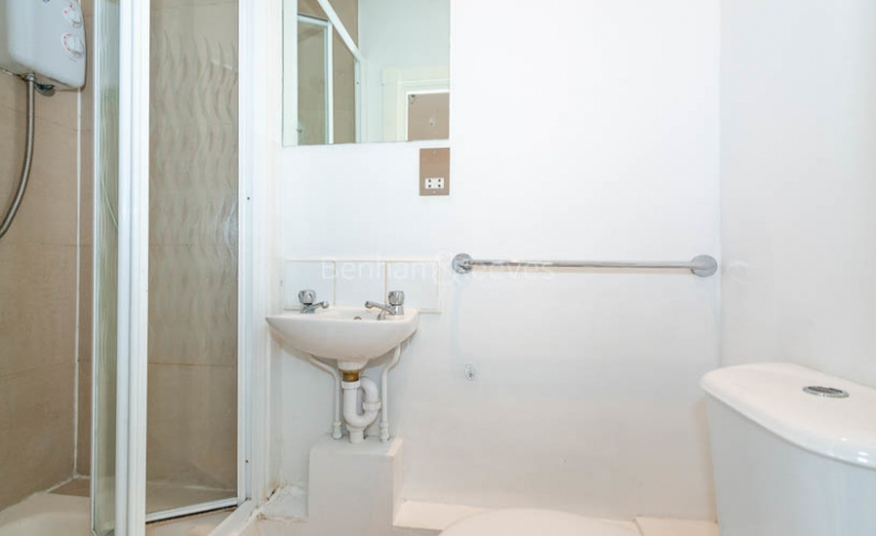 1 bedroom(s) flat to rent in North End Way, Hampstead, NW3-image 3