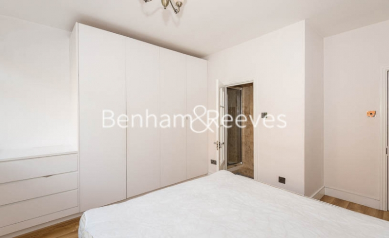 3 bedroom(s) flat to rent in Tower Close, St John Wood, NW8-image 12