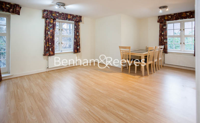 2 bedroom(s) flat to rent in Heathview Court, Golders Green, NW11-image 3
