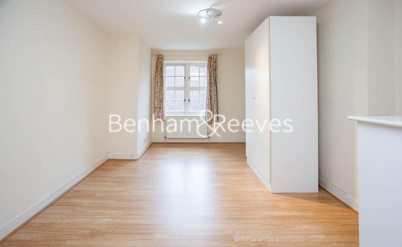 2 bedroom(s) flat to rent in Heathview Court, Golders Green, NW11-image 4