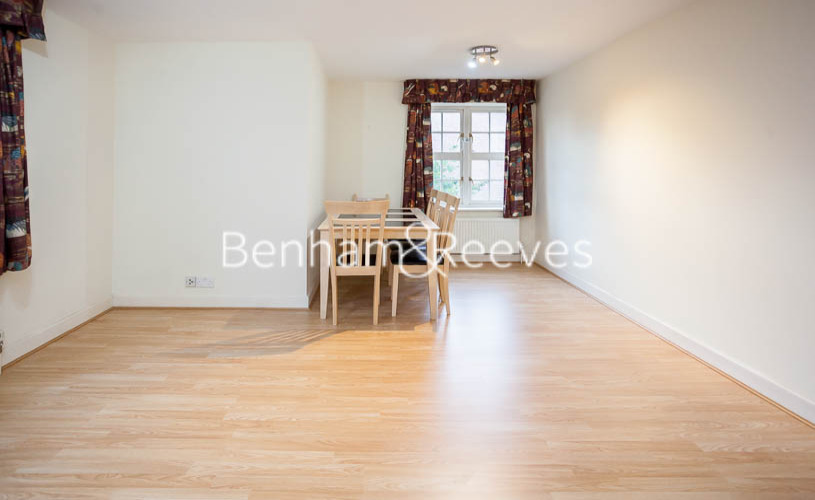 2 bedroom(s) flat to rent in Heathview Court, Golders Green, NW11-image 8