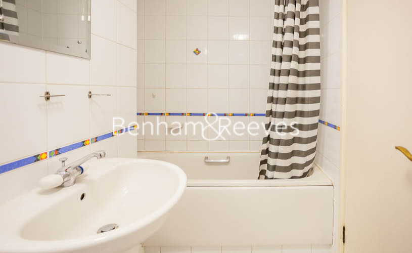 2 bedroom(s) flat to rent in Heathview Court, Golders Green, NW11-image 9