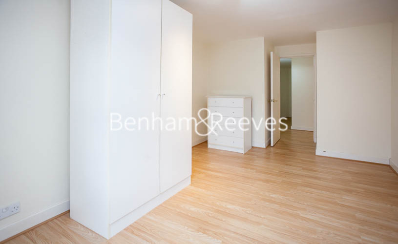 2 bedroom(s) flat to rent in Heathview Court, Golders Green, NW11-image 10