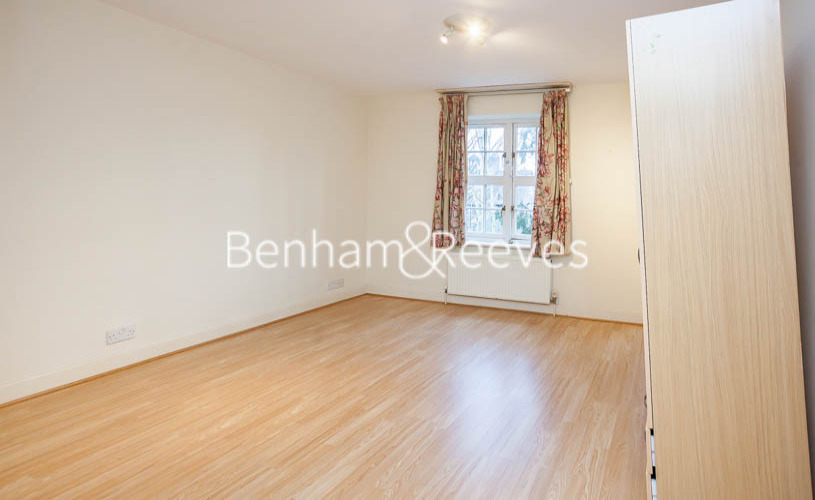2 bedroom(s) flat to rent in Heathview Court, Golders Green, NW11-image 12