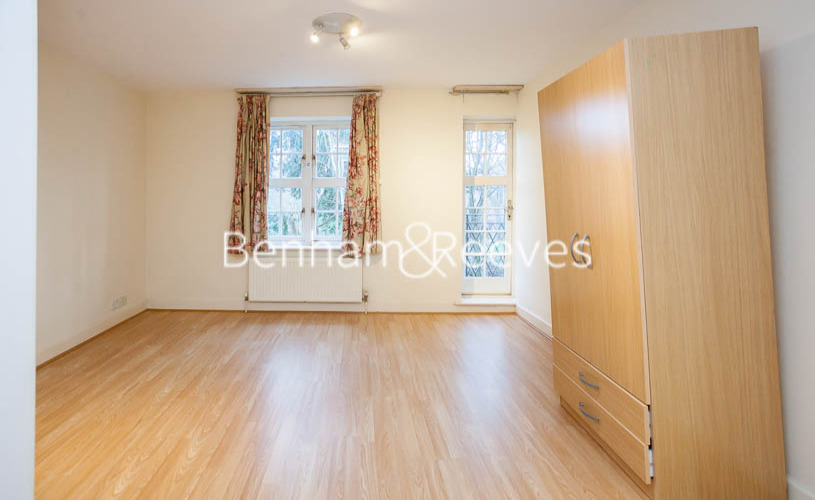2 bedroom(s) flat to rent in Heathview Court, Golders Green, NW11-image 13